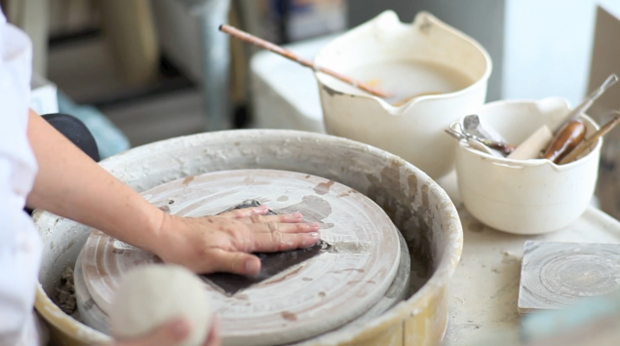 Ceramic-Artist-Becky-Grunder-At-Work-image
