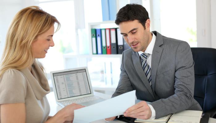 Specjalista ds. administracji kredytów – czym dokładnie się zajmuje?