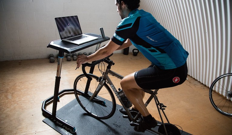 kickr_indoor_cycling_desk.jpg.pagespeed.ce.gAO62Aq3Oz