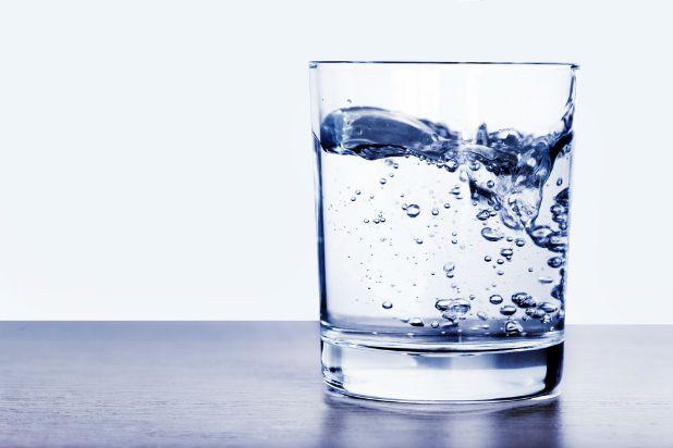 Czy woda w mojej firmie jest dobrej jakości? Dowiedz się jak sprawdzić czy to nie czas na jej uzdatnianie