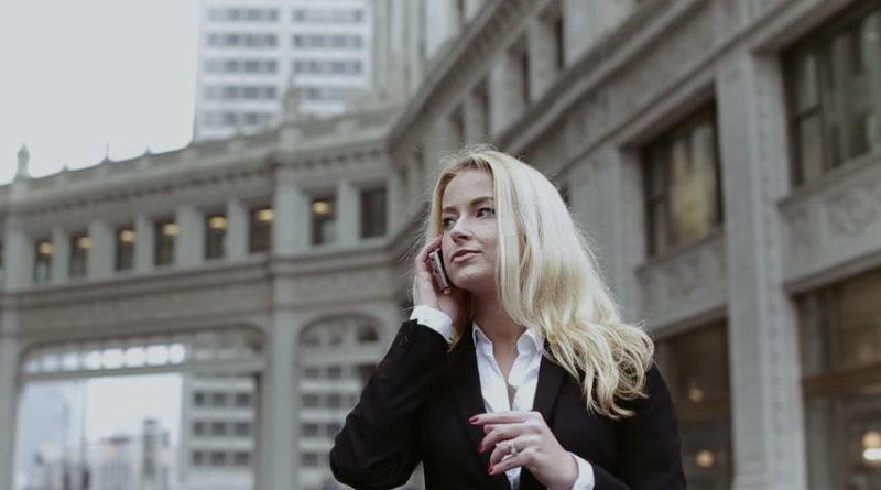 Czego nie może zabraknąć w torebce każdej businesswoman