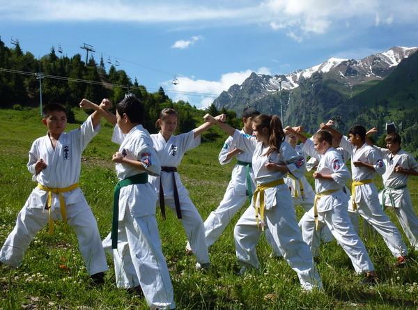 Instruktor sztuk walki na obozie – czy dodatkowe certyfikaty będą Ci potrzebne?
