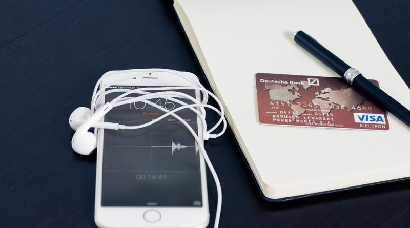 Wybieramy terminale płatnicze – stacjonarne czy mobilne?