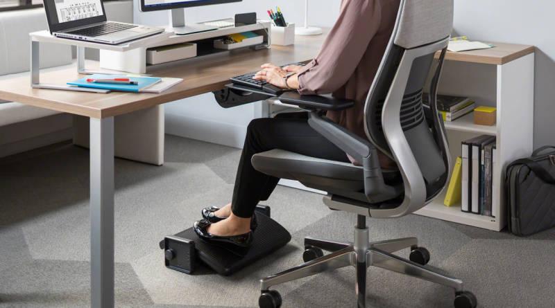 Ergonomiczna praca przy biurku? To naprawdę możliwe