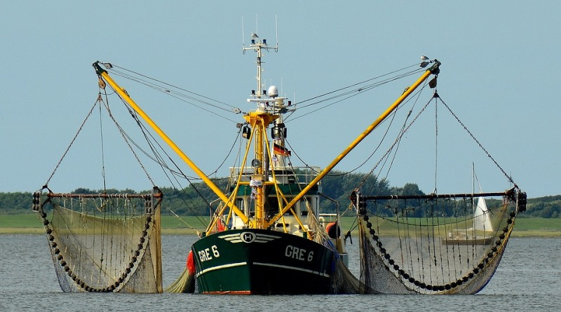 fishing-boat-2645137_960_720