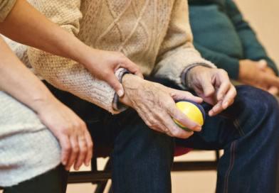 Opiekunka osób starszych – jak przygotować się do nowej pracy?