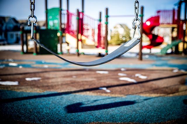 swing-1188132_640 (1)
