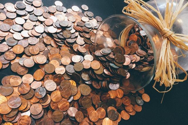 Wiele kredytów, jedno konto do spłaty – jak połączyć zadłużenia firmowe z indywidualnymi?