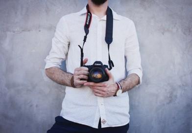 Spojrzenie zza obiektywu – o zawodzie fotografa opowiada Tomasz Kasperek.