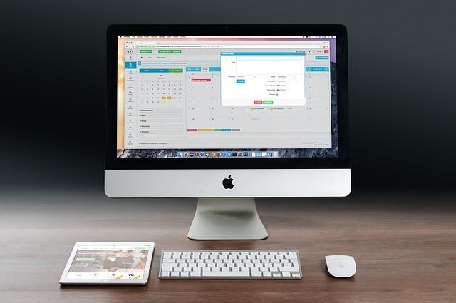 Praca przy komputerze – na czym można naprawdę zarobić?