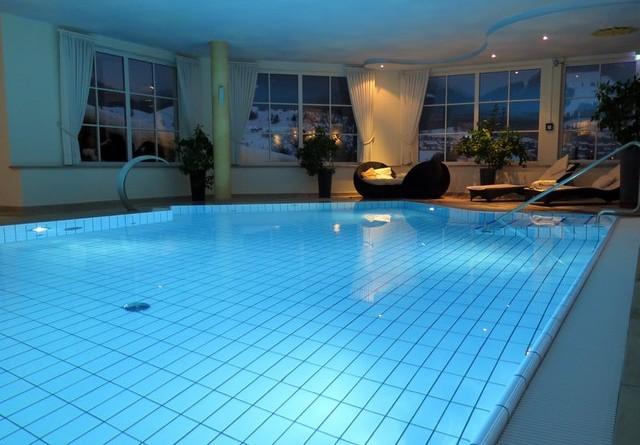 architecture-indoor-swimming-pool-indoors-261224