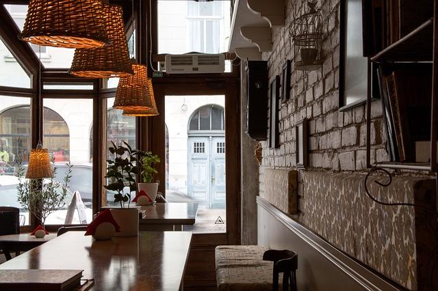 coffee-shop-393954_640