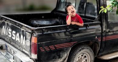 Dziecko w wynajętym samochodzie: jak najlepiej rozwiązać problem bezpieczeństwa?